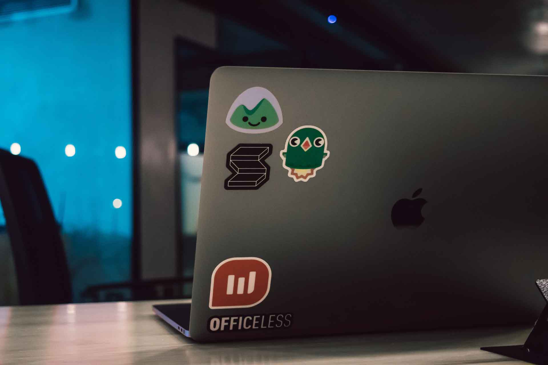 Laptop photo by: Mario Gogh/Unsplash